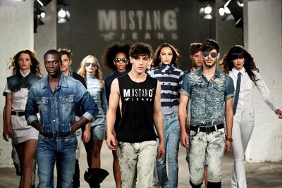 Mustang oblečení